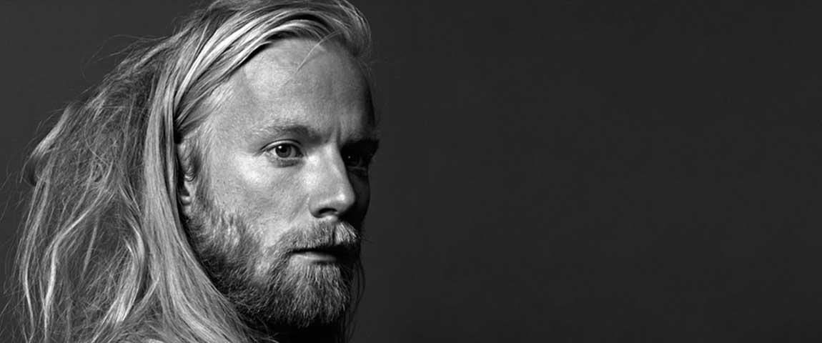 Högni Egilsson (Gus Gus, Hjaltalin) / support Further Away